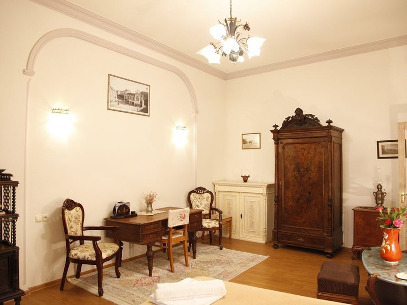 Art House Petunia - your gateway to Old Tbilisi!, vacation rental in Georgia