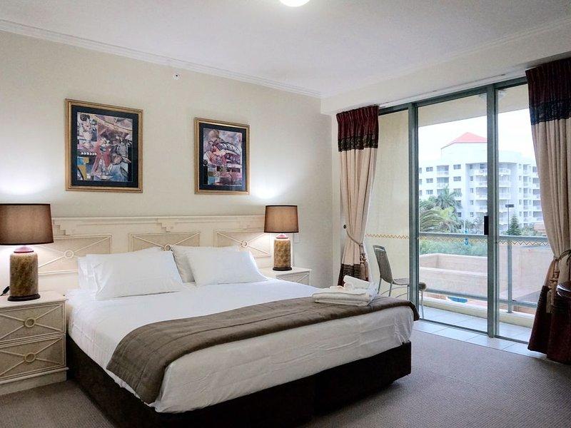 Hotel Room - Sun City Resort, aluguéis de temporada em Surfers Paradise