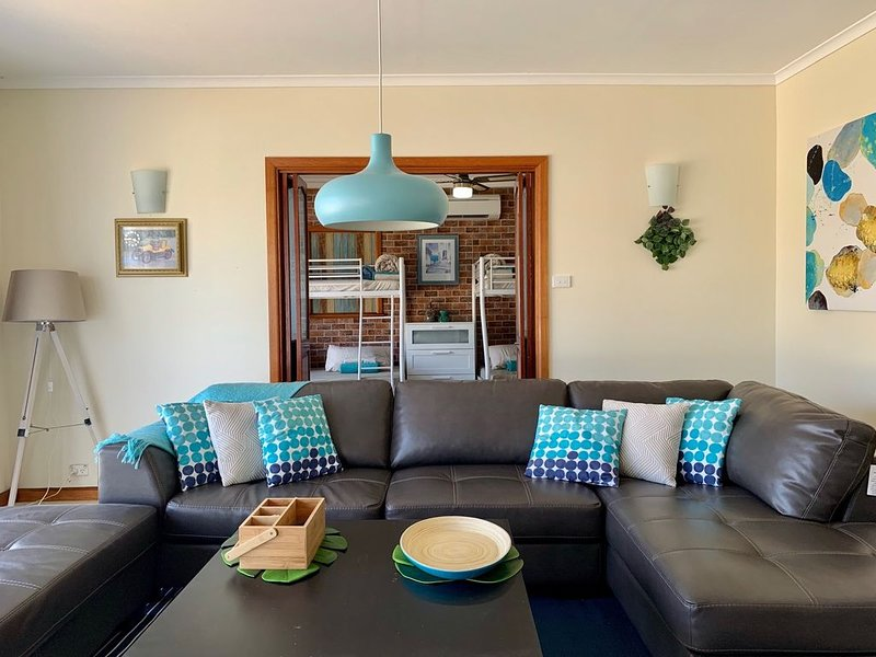 Sunryes - A Stone's Throw To Rye Foreshore Center, holiday rental in Tootgarook