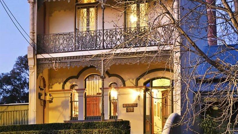 Claremont - Grand Victorian Terrace, location de vacances à Annandale