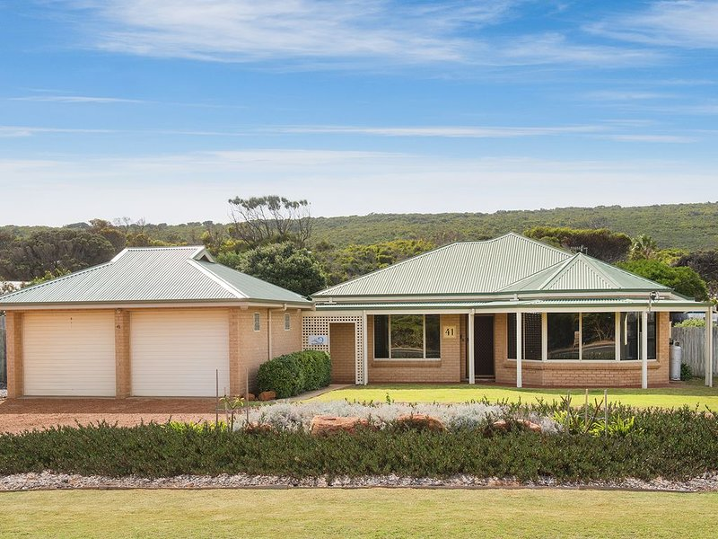 Bella Beach House Margaret River - 50m from beach, holiday rental in Prevelly