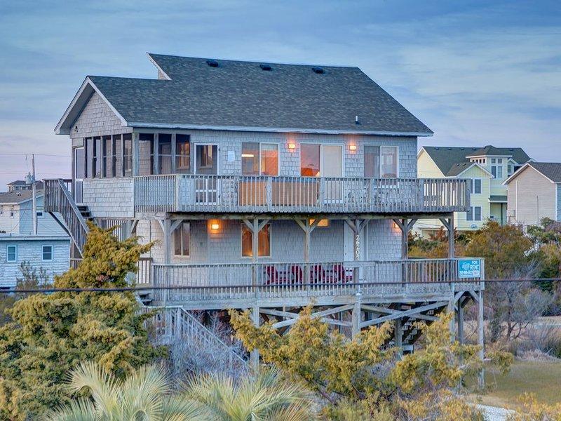 Shore is Nice - Picturesque 4 Bedroom Oceanside Home in Salvo, location de vacances à Vagues