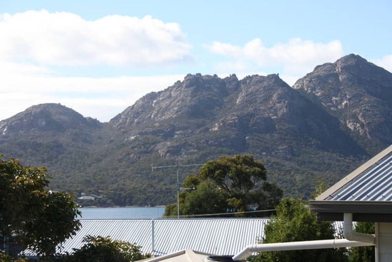 Peakview Cottage - actually in Coles Bay!, vacation rental in Coles Bay