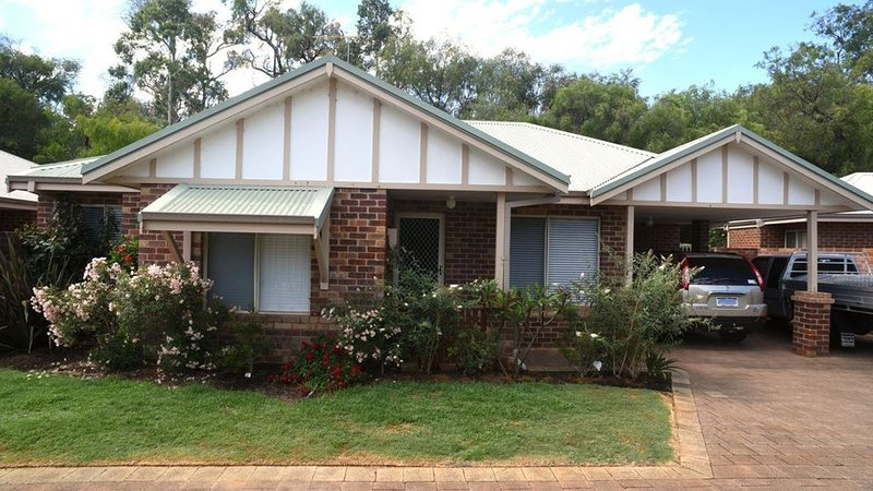 Seahaven Villa; Tucked in town - Wheelchair Access, location de vacances à Busselton
