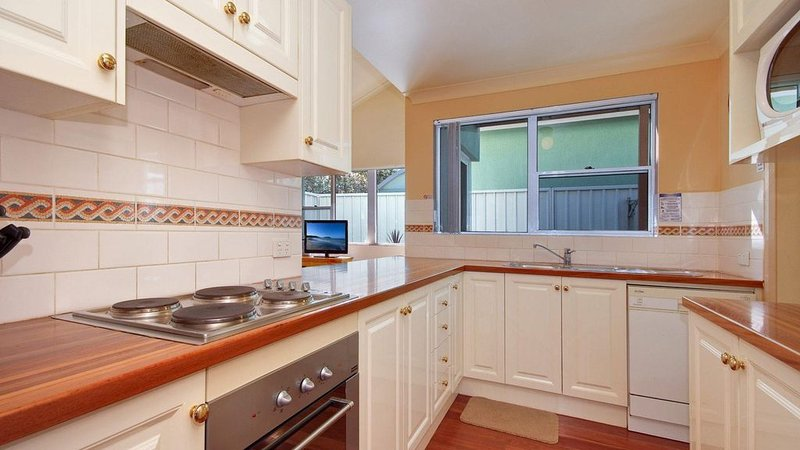 Salt Water * Fingal Bay, holiday rental in Fingal Bay