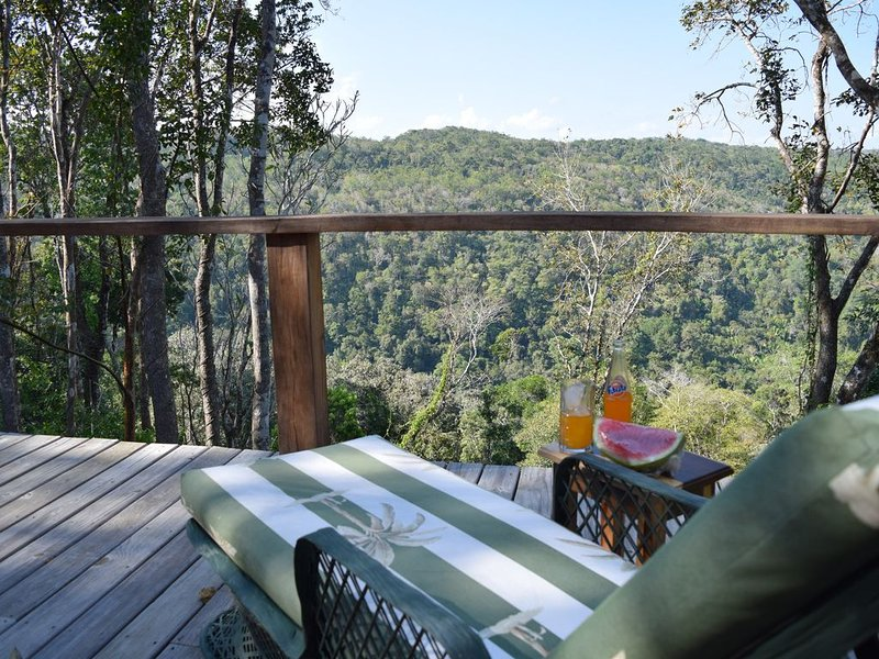 Luxury Jungle Lodge with Spectacular Views., vacation rental in Bullet Tree Falls