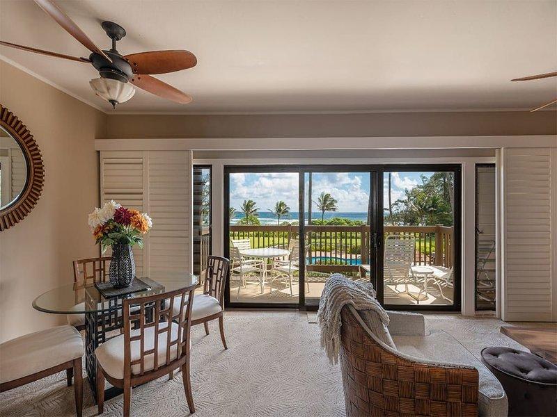 East Kauai w/ocean view lanai, open kitchen, WiFi, ceiling fans, TV, DVD–Kaha La, casa vacanza a Wailua