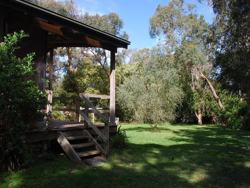 ANEMBO COTTAGE INVERLOCH, holiday rental in Wonthaggi