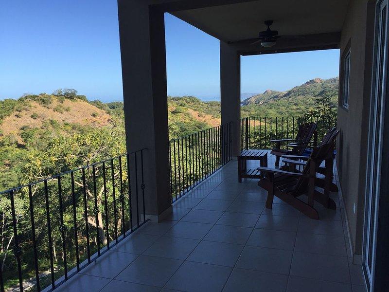 Ocean view condo near Playa Conchal, aluguéis de temporada em Matapalo