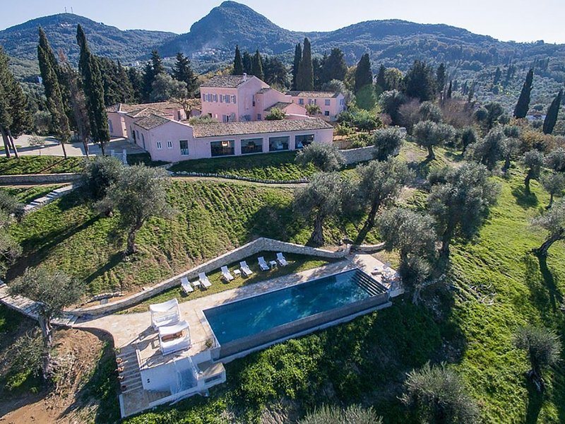 Entire luxury estate by the beach in Messonghi, Corfu  - with cook and staff, vacation rental in Messonghi