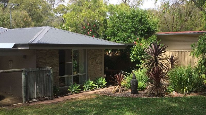 Ellie's Shack By The Beach, holiday rental in Carbunup