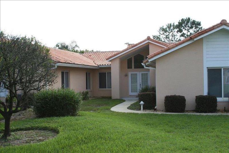 SWISS 15 - Lake Stephanie, holiday rental in Webster