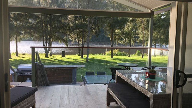 Wisemans Ferry - Absolute Riverfront, Koveda, vacation rental in Hawkesbury Valley