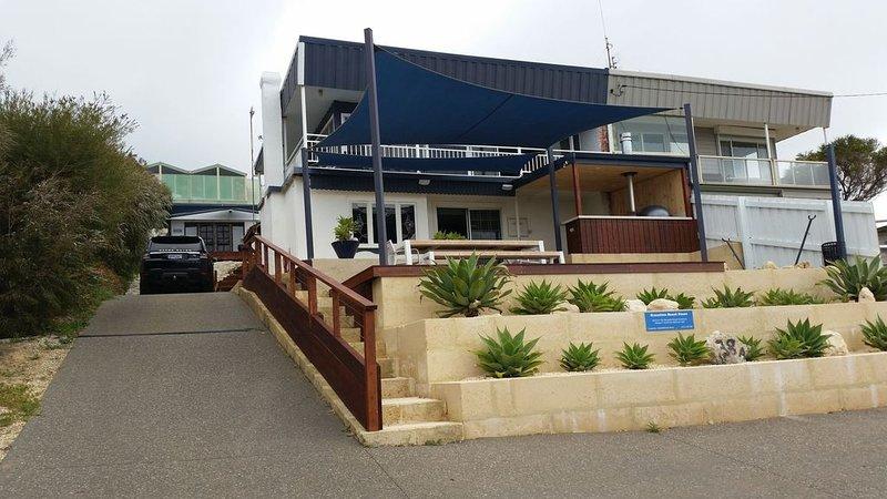 Gracetime - beach house, vacation rental in Gracetown