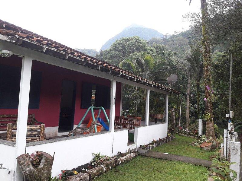 Um Cantinho do Paraíso, local isolado/ quarentena., holiday rental in Guapimirim