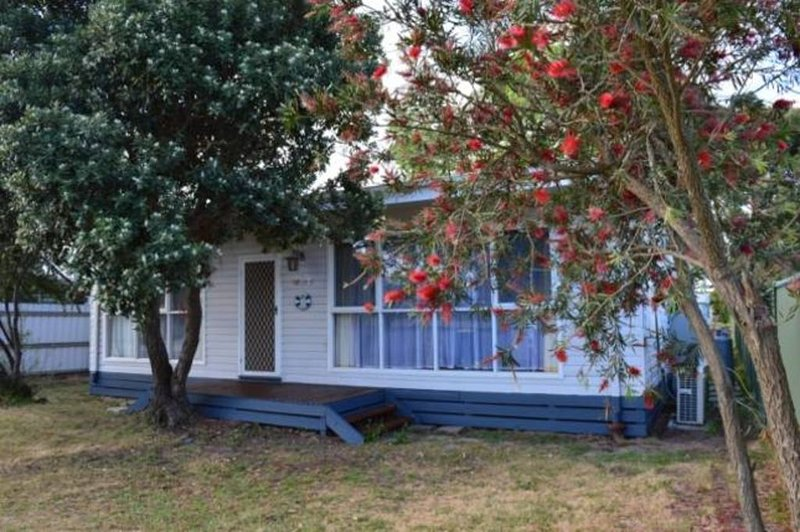 Lower Bluff -The Beach Escape, Big Yard, Pets & boats yes, great shaded Deck, holiday rental in St Leonards