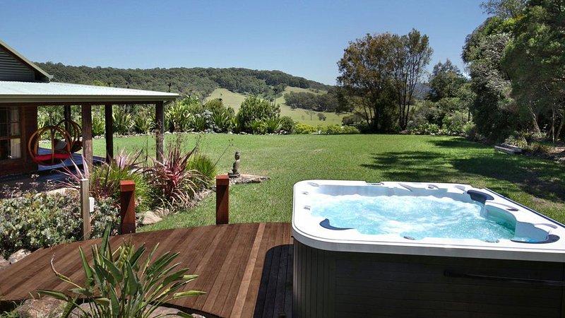 Amaroo House - Glorious Views, holiday rental in Nowra