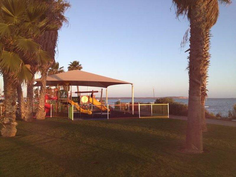 beachside on the beach, holiday rental in Denham