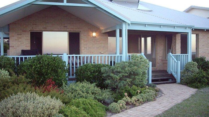 Bayside Beach House Beachfront Busselton, location de vacances à Peppermint Grove Beach
