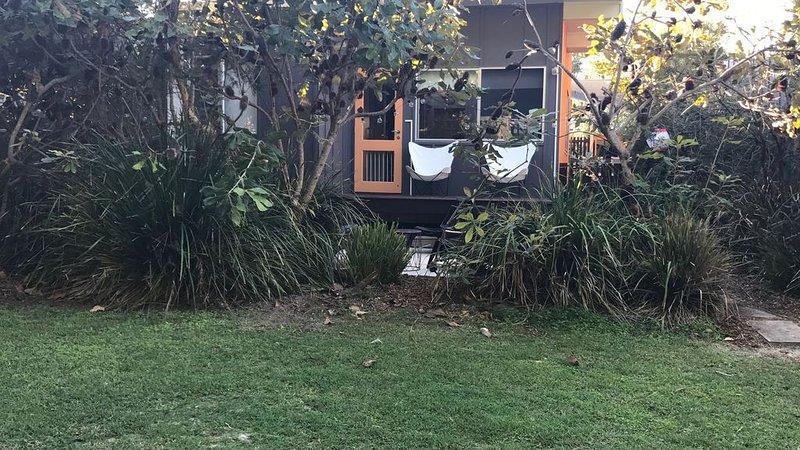 Minjerribah Beach Villa - Opposite beach, bushland setting, quiet retreat, holiday rental in Amity