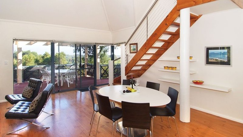 The Outrigger Margaret River - Spacious with Style, holiday rental in Prevelly