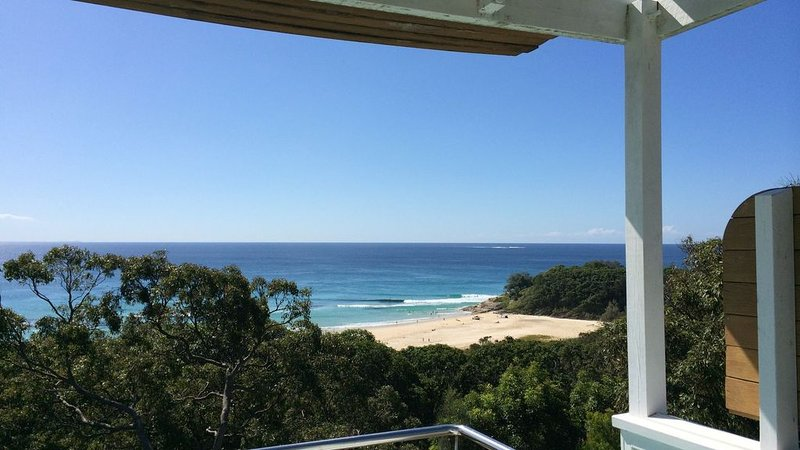 Cylinder Beach House, holiday rental in Amity