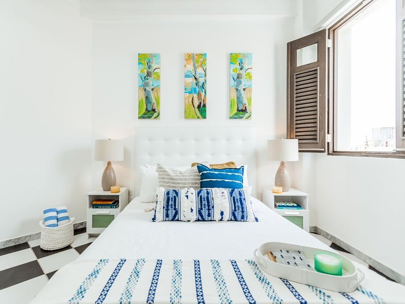 Azure Suite | Beautiful 1 Bedroom in best location in Old San Juan, alquiler vacacional en Guaynabo