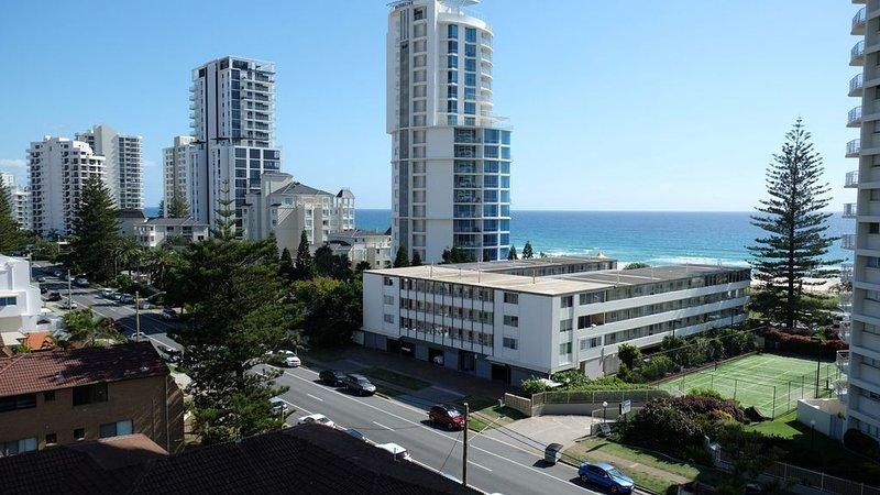 Large two bed apartment on Broadbeach, alquiler de vacaciones en Broadbeach