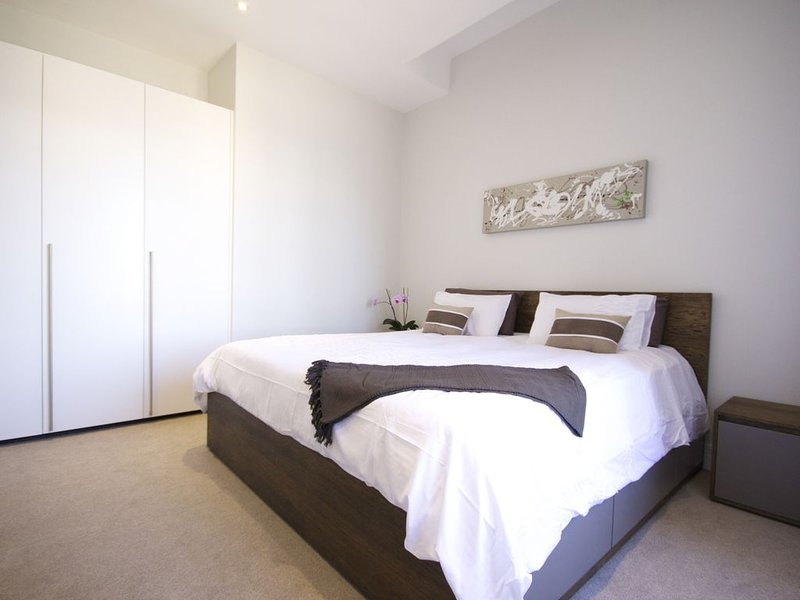 Up market city living apartment-CBD/De Waterkant/CTICC, holiday rental in De Waterkant