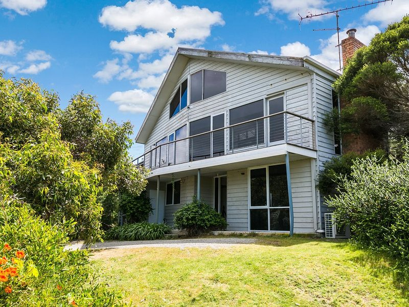 Property ID: 045MC010, holiday rental in Moggs Creek