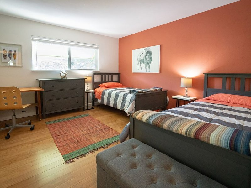 Redwood Pl Apt4  in the heart of silicon valley, vacation rental in Sunnyvale