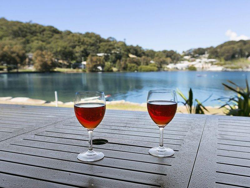 Bayside Beauty - Linen & Wifi included, vacation rental in Ettalong Beach