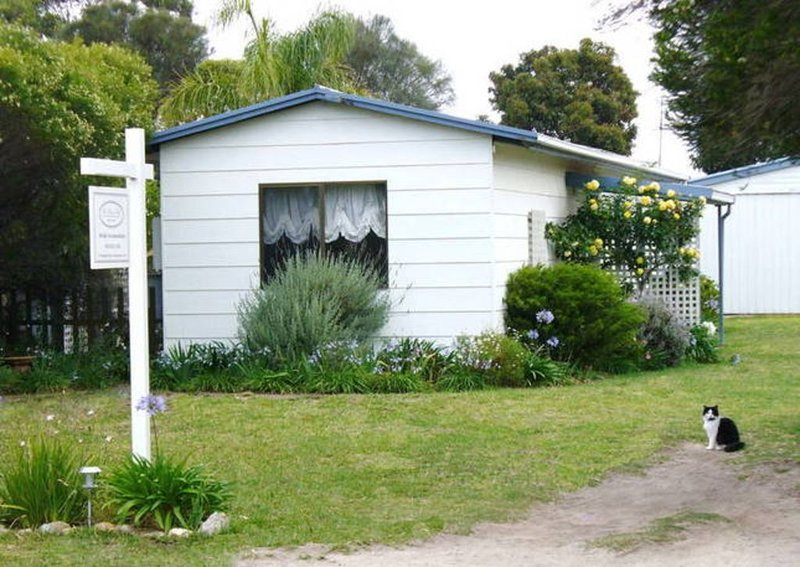THE RIVER BED - Cute . Cosy & Purr-fectly Located, holiday rental in Goolwa