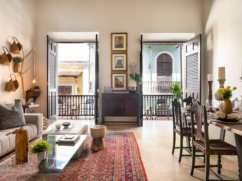 Villa Blanca | Stylish Colonial 2 Bedroom in the Heart of Historic Old San Juan, holiday rental in San Juan