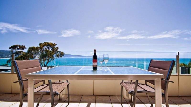 Spectacular Views Apartment: Bay Panorama, holiday rental in Lorne