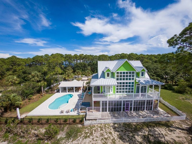 Private pool, Easy Beach Access, Beachfront Community, Nearby Bay Access!, alquiler de vacaciones en Cape San Blas