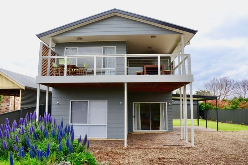 Heaven on Herbert - Sensational Seaside Retreat, vacation rental in Wirrina Cove