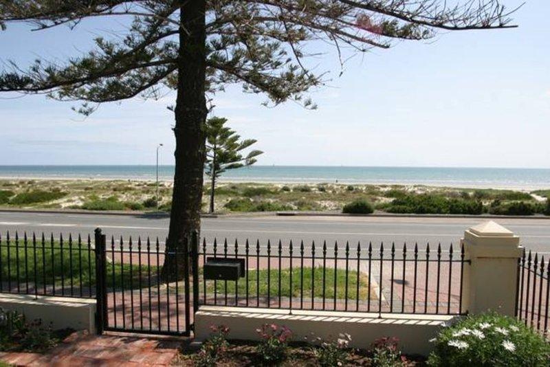 Esplanade Beach House, alquiler vacacional en Greater Adelaide