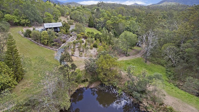 Wonga Cottage at Kobble Creek Cottages, alquiler vacacional en Mount Glorious