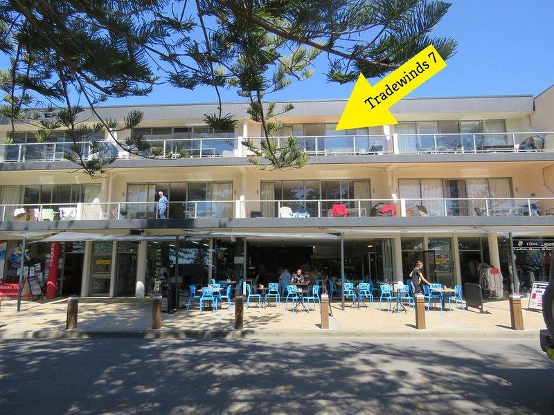 TRADEWINDS UNIT 7 - BEACH VIEWS, holiday rental in South West Rocks