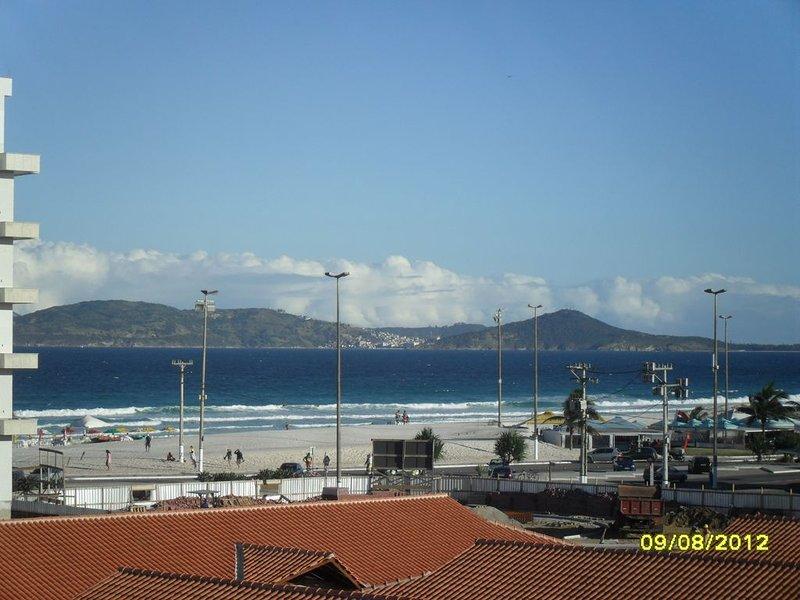 vue de la chambre et du salon sur la plage