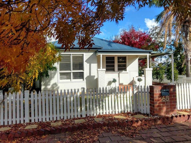 'Shady Corner Cottage' with Free Unlimited Wi-Fi and Netflix., casa vacanza a Wagga Wagga