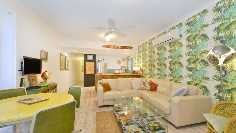 Eclectic Apartment in Tropical Port Douglas, vacation rental in Port Douglas