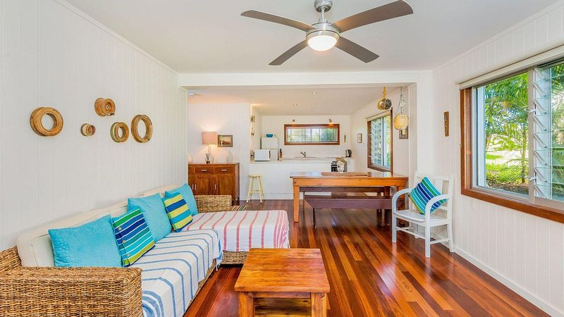 Pacifica 2 - Opposite the beach at Brooms Head, holiday rental in Ulmarra