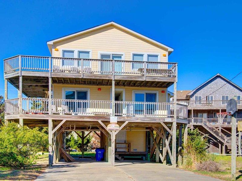 �️ Centrally Located Home in Avon w/ hot tub & spacious decks�, alquiler de vacaciones en Avon