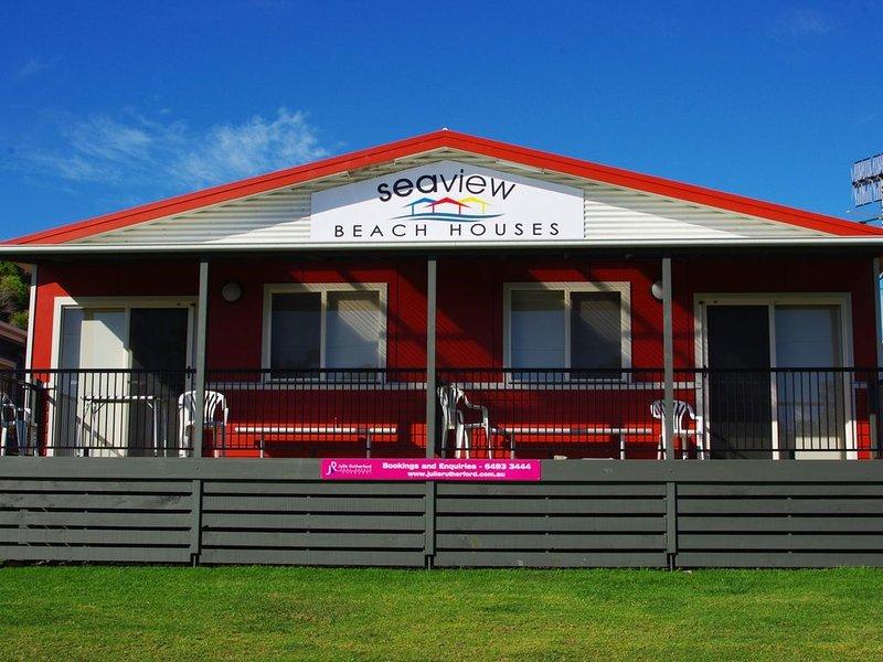 Seaview Beach House 4, holiday rental in Barragga Bay
