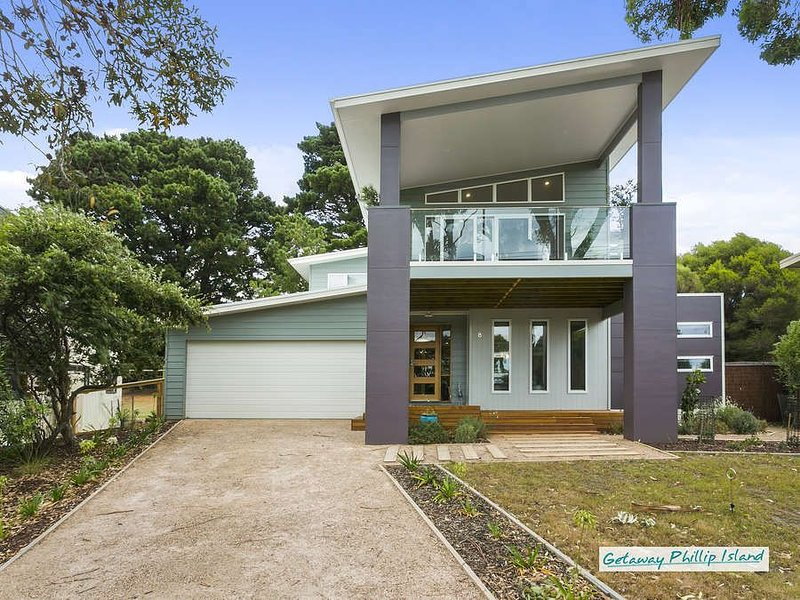 Stunning four bedroom beachhouse in beautiful Ventnor, Phillip Island, vacation rental in Ventnor