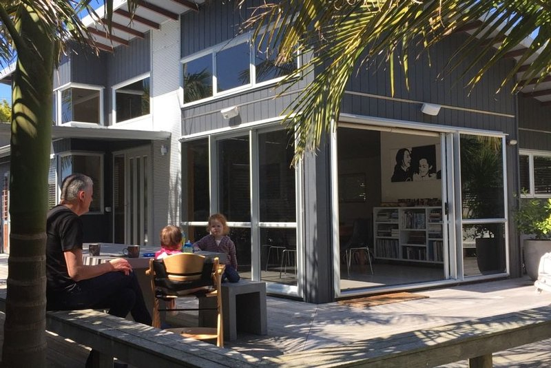 Contemporary Wainui Beach home at Okitu, location de vacances à Gisborne Region