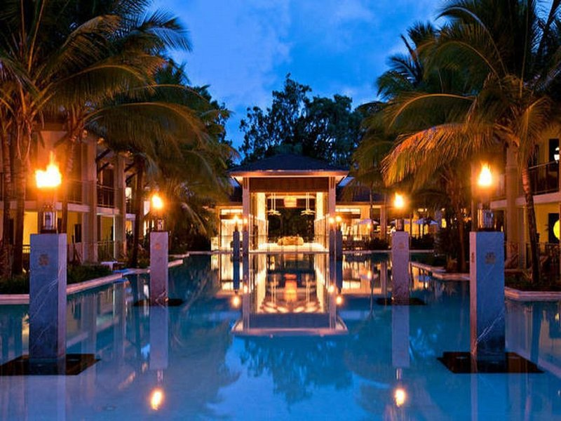 Sea Temple Port Douglas 2 Bedroom Lagoon Swimout, casa vacanza a Oak Beach