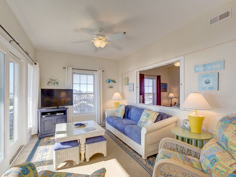 Shores Fine Again - Rare 3 Bedroom Durant Station Condo Home in Hatteras, holiday rental in Hatteras